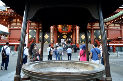 In front of the temple is a large incense cauldron: the smoke is said to bestow health and you'll see people rubbing it into their bodies through their clothes.