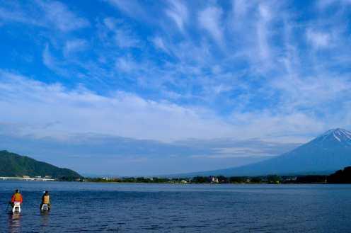 Mount Fuji is encompassed by five picture perfect lakes called Kawaguchiko, Yamanakako, Saiko, Motosuko and Shojiko. As mentioned earlier in the post, all shots were taken at the wonderful Lake Kawaguchiko.